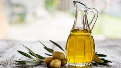 فوائد زيت الزيتون للبشرة والشعر والأظافر والجسم
