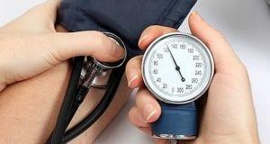 أسباب انخفاض ضغط الدم والعلاج المناسب له